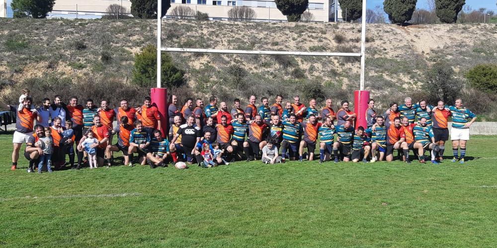 Foto de familia del partido de rugby veteranos entre Fuencarral y Soto del Real