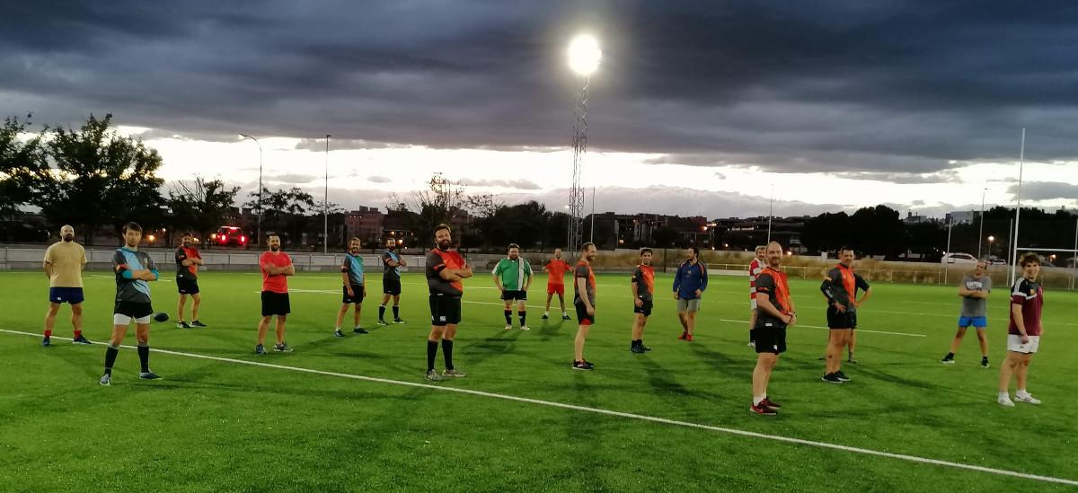Primer entrenamiento de rugby en el campo de Tres Olivos